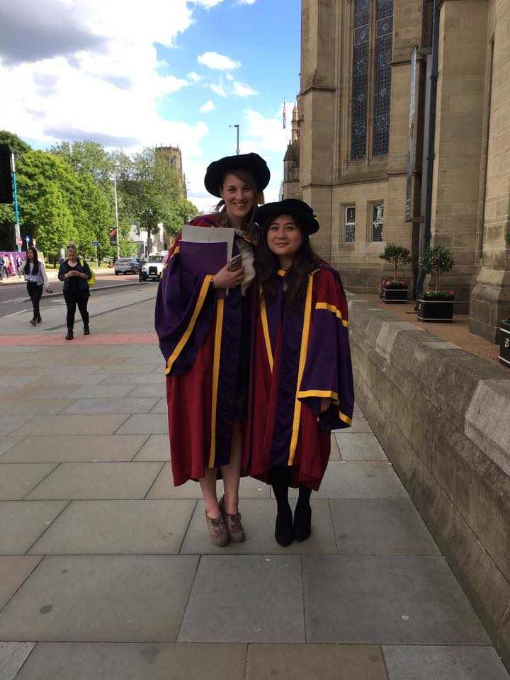 Dr Mei Yee Tang and Dr Emma Brown in their graduation robes
